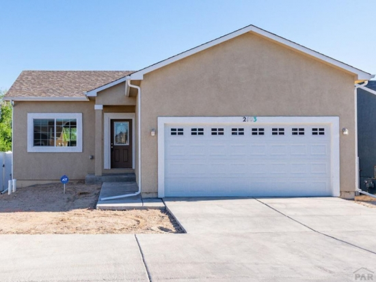 Move in ready! Warm and friendly 3 bedroom 2 baths